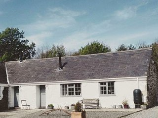 Gwyllt Cottages - Bwthyn Siwan - 1 Double & 1 Twin Bedroom Cottage - Newborough vacation rentals