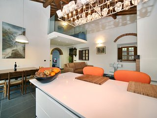 Perfect Villa with Deck and Internet Access - La Torre vacation rentals