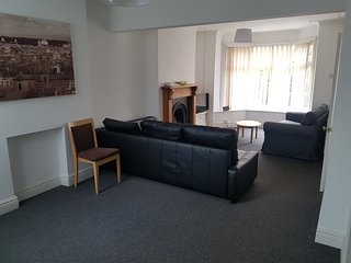 3 Bedroom Home 5 miles from Cardiff town centre - Tongwynlais vacation rentals