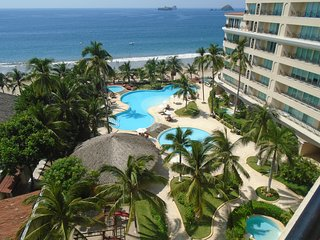 3 Bedroom 3 Bath, 60 Smart TV, Private Internet, Uv Purified Water System - Ixtapa vacation rentals