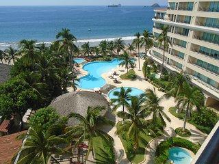 3 Bedroom 3 Bath, 60 Smart TV, Private Internet, Uv Purified Water System - Ixtapa vacation rentals