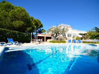 Spacious 5 bedroom Villa in L'Ametlla de Mar - L'Ametlla de Mar vacation rentals