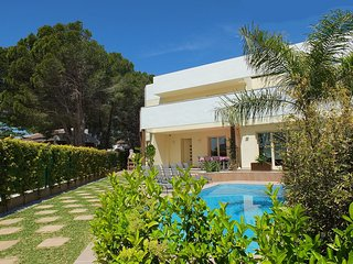 Beautiful 3 bedroom L'Ametlla de Mar Villa with Television - L'Ametlla de Mar vacation rentals