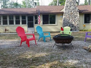 Cozy 2 bedroom House in East Tawas with Internet Access - East Tawas vacation rentals
