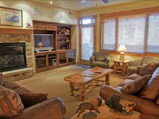 Ultimate Resort Location - Private Shuttle Service - Great Amenities, Mountain Views (9950) - Steamboat Springs vacation rentals