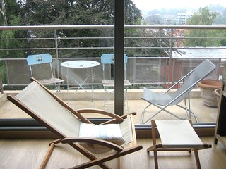 Appartement style vacances a la mer, 2 chambres - Uccle vacation rentals