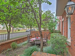 NEW! 3BR Dallas Condo w/ Community Pool Access! - Dallas vacation rentals