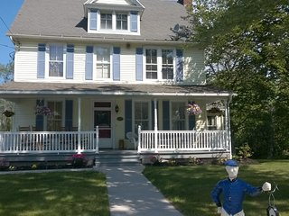 Home on the river - Niagara Falls vacation rentals