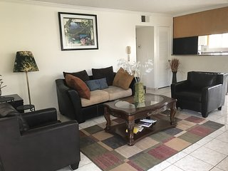 Private, furnished apt in Glendale/WiFi/ parking - Burbank vacation rentals