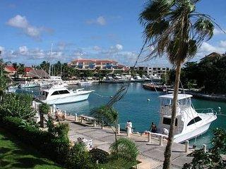 Comfortable Puerto Aventuras Studio rental with Internet Access - Puerto Aventuras vacation rentals