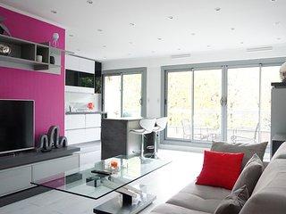392002 - Bd du Générale Leclerc - 92200 Neuilly/Se - Hauts-de-Seine vacation rentals