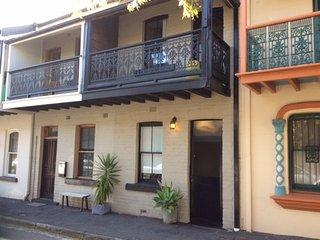 Alfredo - Funky 2 Bedroom terrace near the beach - Newcastle vacation rentals