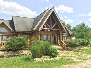 Cozy Cabin with Internet Access and A/C - Monteagle vacation rentals