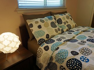 Simmons Beautyrest bed, with private bathroom - Plano vacation rentals