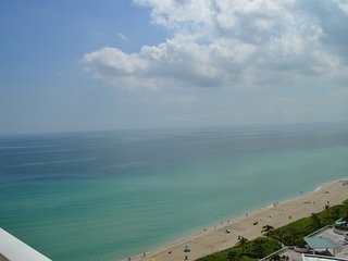 OCEAN, MODERN, LUXURY! CORNER UNIT - AMAZING VIEWS! OCEANFRONT BUILDING - WOW! - Sunny Isles Beach vacation rentals