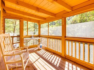 Charming three-story, waterfront cabin in the woods with screened-in deck - Ellijay vacation rentals