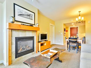 Luxury Ski In/Out In Resort Base Village #4370 - Great Views/Hot Tub/Garage/WiFi - Winter Park vacation rentals