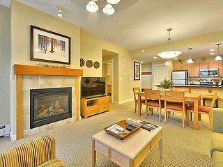 Luxury Ski In/Out In Resort Base Village #3129 - Great Views/Hot Tub/Garage/WiFi - Winter Park vacation rentals