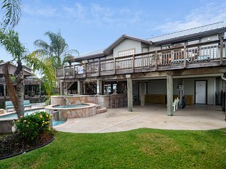The K and R Resort - Jamaica Beach vacation rentals