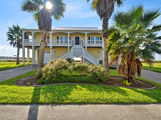 Beachfront Flamingo - Galveston vacation rentals