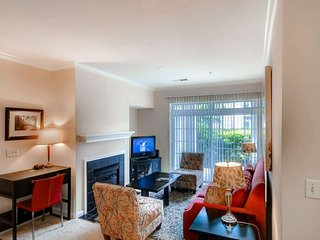 Furnished 2-Bedroom Apartment at Winterberry Way & Goodrow Ct Princeton - Princeton vacation rentals