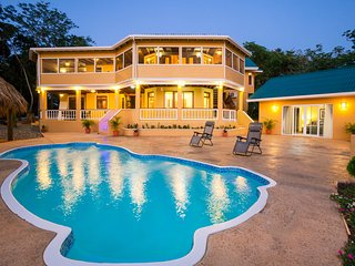 Gorgeous 6 bedroom Sandy Bay House with Internet Access - Sandy Bay vacation rentals