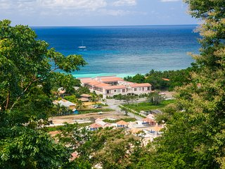 Perfect House with Internet Access and A/C - Roatan vacation rentals