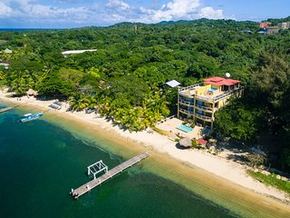 2 bedroom House with Internet Access in Roatan - Roatan vacation rentals