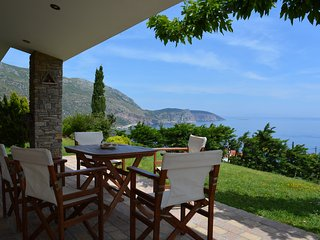 Evia quiet 2 storey villa with breathtaking views - Achladeri vacation rentals