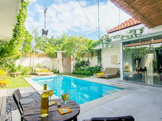 Seminyak VILLA 888 DUA Quiet, 200m from Eat Street - Seminyak vacation rentals