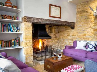 Hainault House is a Grade II listed, double fronted, Cotswold stone house - Blockley vacation rentals