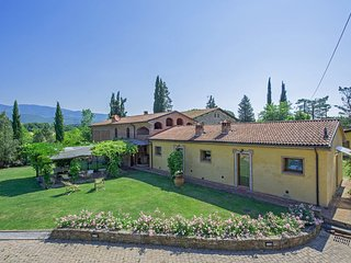 Charming 5 bedroom Villa in Cicogna - Cicogna vacation rentals