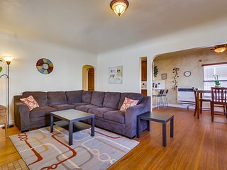 Cozy House with Internet Access and Satellite Or Cable TV - Mission Beach vacation rentals
