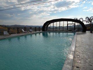 villa con piscina coperta/scoperta - Raffadali vacation rentals