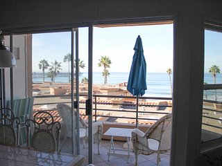 Panoramic Ocean View, 2 BR 501 N. Pacific 7 - Oceanside vacation rentals