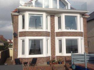 'Morfran',  a stunning sea front 3 bedroom apartment - Porthcawl vacation rentals