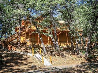 Cozy 3 bedroom Big Bear City House with Central Heating - Big Bear City vacation rentals