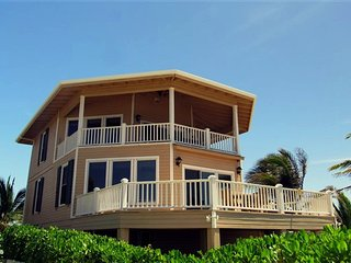 Second Wind Beach House - Luxury Home on the Ocean - Utila vacation rentals