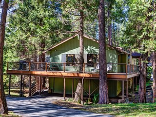 Beautiful 3 bedroom Wawona House with Internet Access - Wawona vacation rentals