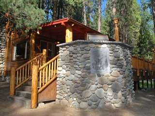 Gorgeous 2 bedroom House in Wawona with Television - Wawona vacation rentals