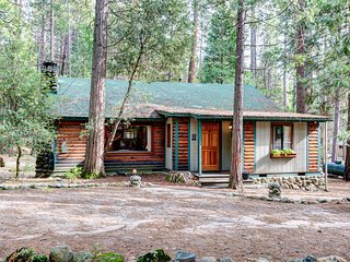 Nice 2 bedroom Wawona House with Deck - Wawona vacation rentals
