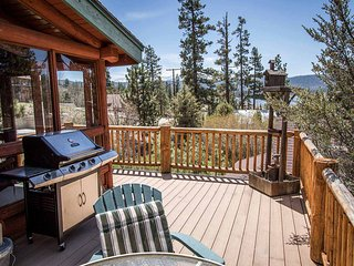 Bear Lodge~Tri-Level Quiet Fawnskin Retreat~Foosball/AirHockey~Lake-View Decks~ - Fawnskin vacation rentals