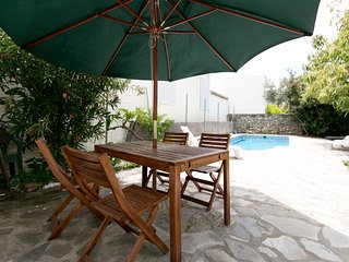 Lovely house, pool, WiFi, nr Granada, beach, hills - Granada vacation rentals