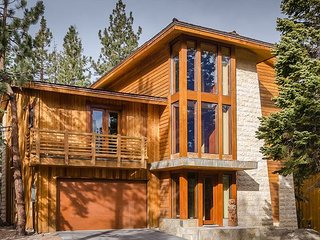 Luxury 5 Bed, 5 Full Baths, 2 Half Baths, Sleeps 15 - Mammoth Lakes vacation rentals