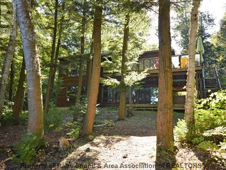 4 bedroom Cottage with A/C in Muskoka Lakes - Muskoka Lakes vacation rentals