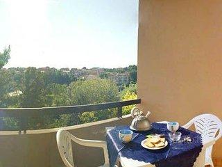 GIULY 33 - A Sirolo trilocale al primo piano in centro con terrazzo - Sirolo vacation rentals