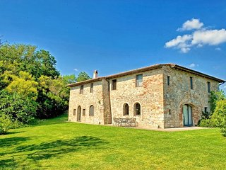 Villa Cerchiaia with private swimming pool - Cetona vacation rentals