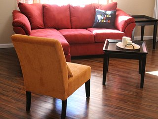 Cozy 2 Bedroom apt. 5 mins from the Royals and Cheifs Stadiums - Independence vacation rentals