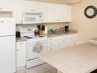 Waikiki Banyan Tower 2 Suite 1205 ~ RA136582 - Waikiki vacation rentals