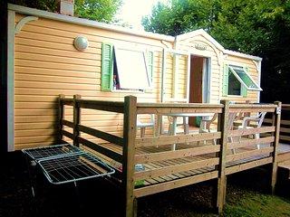 Camping le Garoustel au bord du lac de Saint Etienne Cantalès dans le Cantal en - Saint-Gerons vacation rentals